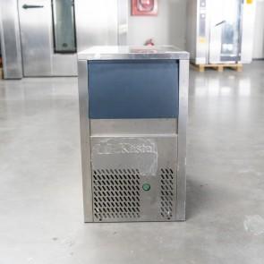Masina de cuburi de gheata, racire cu aer, control electronic, second hand, productivitate 25kg