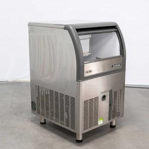 Masina cuburi de gheata, second hand, racire cu aer, control electromecanic, productivitate 39kg/24h